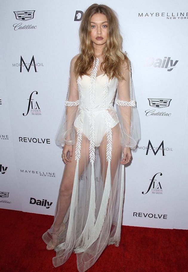 3269277D00000578-3502059-Angelic_Gigi_Hadid_20_absolutely_stunned_in_the_sheer_slip_of_a_-m-3_1458525752562